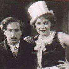 Marlene Dietrich e Josef von Sternberg sul set de L'angelo azzurro