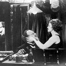 Marlene Dietrich ed Emil Jannings in una foto promozionale de L'angelo azzurro