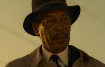 Morgan Freeman in una scena di Seven (Se7en)
