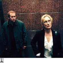 Nicolas Cage e Meryl Stree in una scena de Il ladro di orchidee - Adaptation