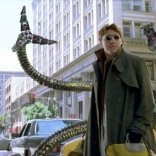 Alfred Molina interpreta il malvagio Dr. Octopus in Spider-Man