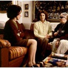 Chus Lampreave, Rossy De Palma e Marisa Paredes in una scena de Il fiore del mio segreto