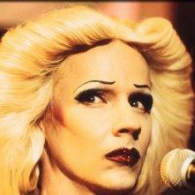 John Cameron Mitchell interpreta il transessuale Hedwig nel musical omonimo