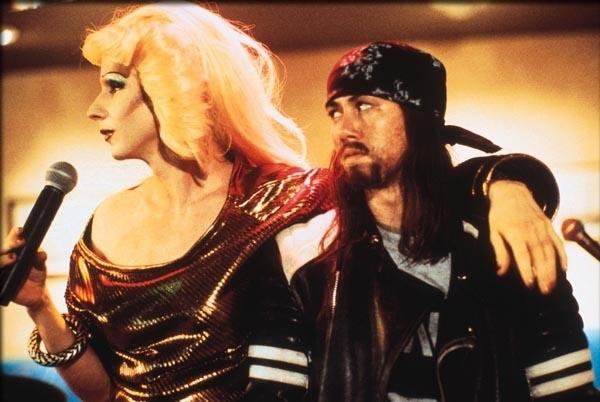 John Cameron Mitchell E Miriam Shor In Una Scena Del Film Hedwig La Diva Con Qualcosa In Piu 289