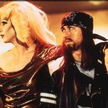 John Cameron Mitchell e Miriam Shor  in una scena del film Hedwig - La diva con qualcosa in più