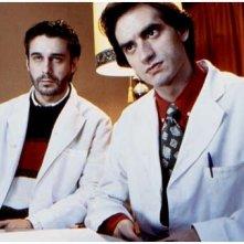 Jordi Mollà e Nancho Novo in una scena de Il fiore del mio segreto