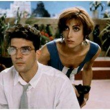 Maria Barranco ed Antonio Banderas in una scena di Donne sull'orlo di una crisi di nervi