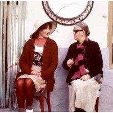 Marisa Paredes e Chus Lampreave in una scena de Il fiore del mio segreto