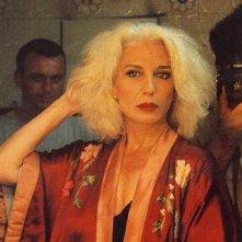 Marisa Paredes fotografata da Pedro Almodovar sul set di Tutto su mia madre