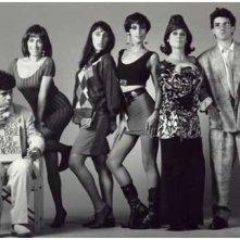 Pedro Almodovar, Carmen Maura, Rossy De Palma, Maria Barranco, Julieta Serrano ed Antonio Banderas in una foto promozionale per Donne sull'orlo di una crisi di nervi