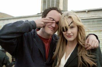 Quentin Tarantino e Daryl Hannah scherzano sul set di Kill Bill: Volume 2