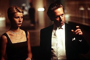 Gwyneth Paltrow e Michael Douglas sul set di Delitto perfetto