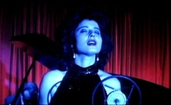 Isabella Rossellini in una scena di Velluto blu