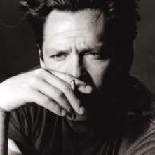 Un intenso primo piano di Michael madsen, in una foto di Greg Gorman