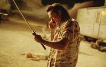Michael Madsen in una scena del film Kill Bill: Volume 2