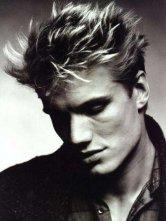 Un bel ritratto dell'attore Dolph Lundgren