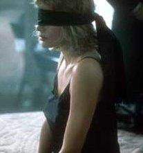 Kim Basinger in una sequenza di Nove settimane e mezzo