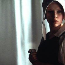 Scarlett Johansson è la cameriera Griet, modella suo malgrado del grande Vermeer