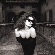 Francesca Dellera in versione dark lady