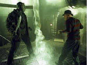 Robert Englund e Ken Kirzinger si affrontano in una scena di Freddy vs. Jason