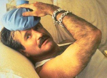 Robin Williams in Piume di struzzo