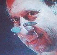 Tinto Brass nel suo ruolo-cameo in Capriccio