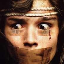 Christina Marsillach in una terrificante scena di Opera