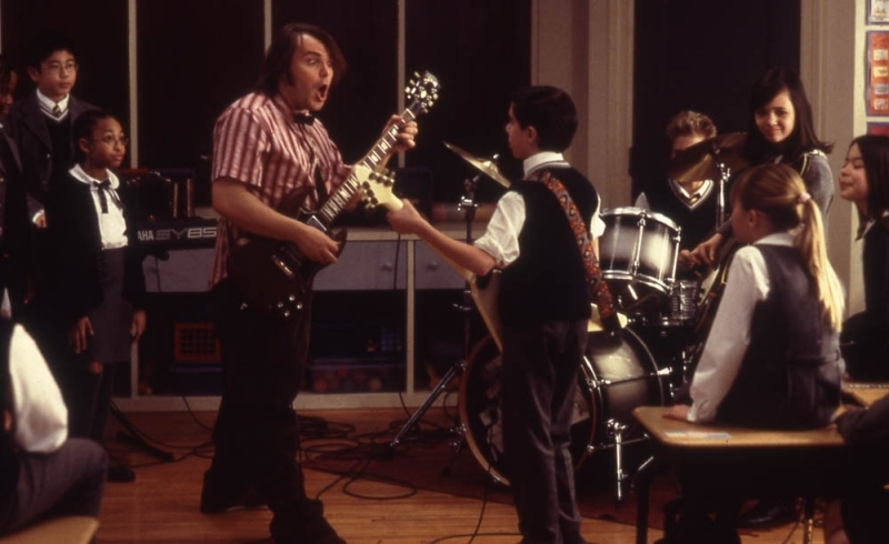 Jack Black in una scena di School of Rock