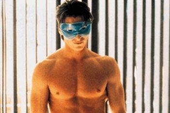 Christian Bale è Patrick Bateman in una scena di American Psycho