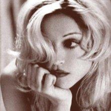Madonna in una foto promozionale per Occhi di serpente