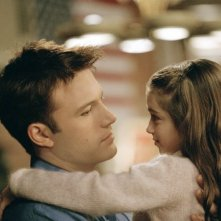 Ben Affleck e Raquel Castro in una scena del film Jersey Girl