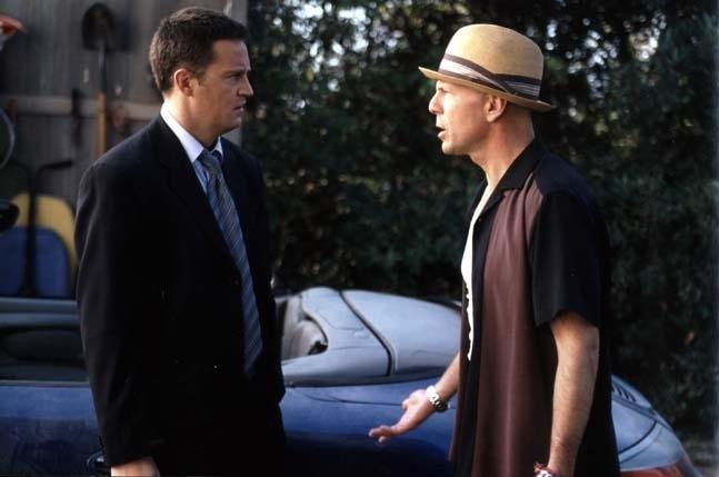 Bruce Willis E Matthew Perry In Una Scena Del Film Fbi Protezione Testimoni 2 4858
