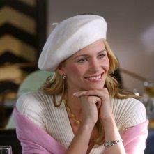 Natasha Henstridge in una scena del film FBI: Protezione testimoni 2