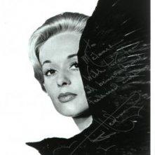 Una foto di Tippi Hedren promozionale per 'Gli uccelli', autografata dall'attrice