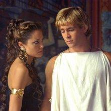 Angelina Jolie e Colin Farrell in una scena di Alexander