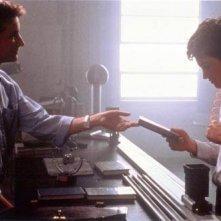 Jake Gyllenhaal e Noah Wyle in una scena di Donnie Darko