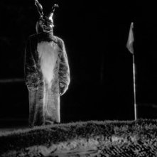 L'inquietante coniglio Frank appare a Donnie Darko