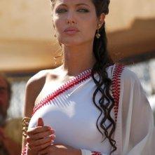Una splendida Angelina Jolie in una scena di Alexander