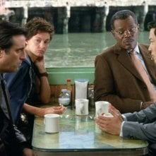 Andy Garcia, Ashley Judd, Samuel L. Jackson e Russell Wong  in una scena del film La tela dell'assassino
