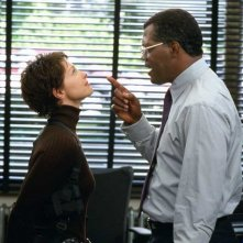 Ashley Judd e Samuel L. Jackson in una scena del film La tela dell'assassino