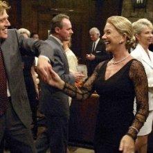 Robert Redford con Helen Mirren in una scena del film In ostaggio
