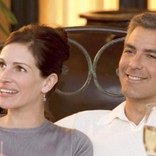 George Clooney e Julia Roberts in Ocean's Twelve