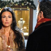 Sabrina Ferilli e Christian De Sica in una scena di Christmas in Love