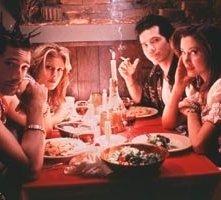 Adrien Brody, Jennifer Esposito, John Leguizamo e Mira Sorvino in una scena di Summer of Sam - Panico a New York