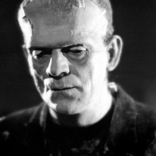 Boris Karloff in una sequenza di La moglie di Frankenstein