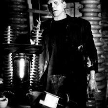 Boris Karloff in una scena del classico dell'horror La moglie di Frankenstein