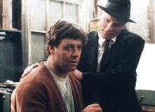 Russell Crowe e Ed Harris in una scena di A Beautiful Mind