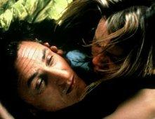 Sean Penn e Naomi Watts in una scena di 21 Grammi - Il peso dell'anima
