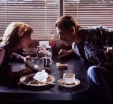Amanda Plummer e Tim Roth in una scena di Pulp Fiction