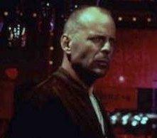 Bruce Willis in una scena di Pulp Fiction